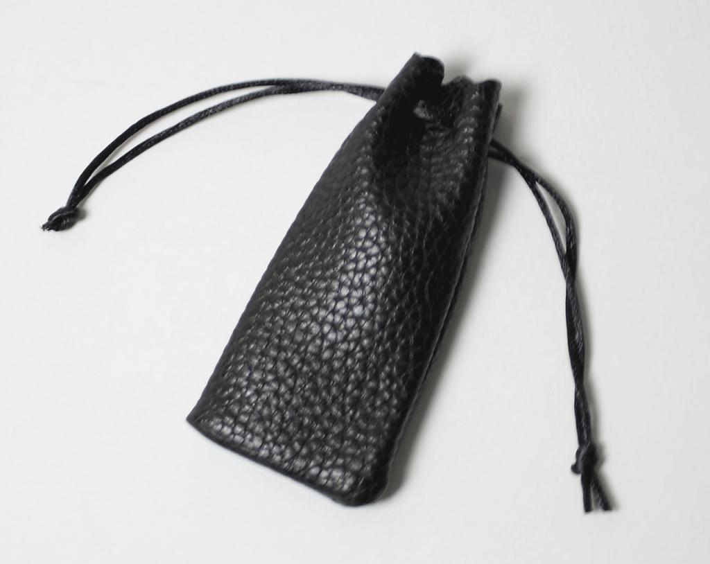 個人印 シルバー印面 黒水牛(寸胴) 13.5mm ソフトケース付き