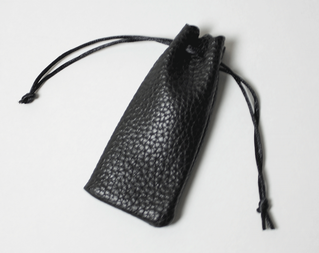 個人印 ゴールド印面 黒水牛(寸胴) 15.0mm